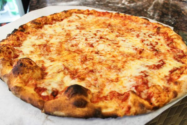 Garlic & Chees pizza